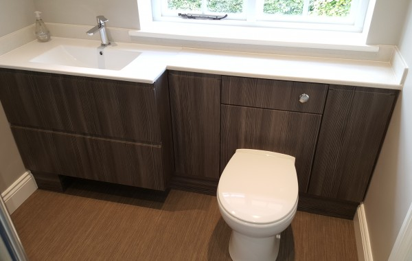 Contemporary en suite in Brentwood